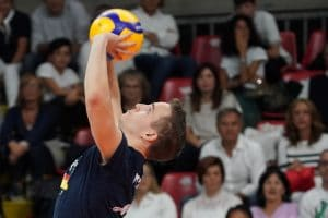 Setter position - Volleyball Gear Guide