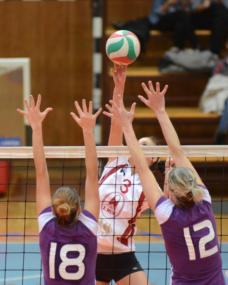 Spiking volleyball drills for beginners - Volleyball Gear Guide